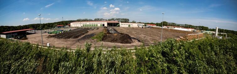 Plac dojrzewania kompostu - dwa hektary w całej okazałości