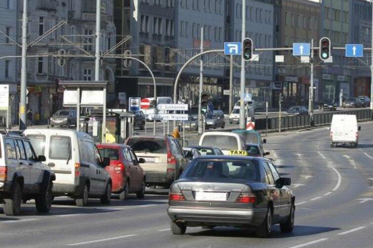 Jak wybrać najtańszy przejazd taksówką? Skorzystaj z kalkulatora portalu gdansk.pl