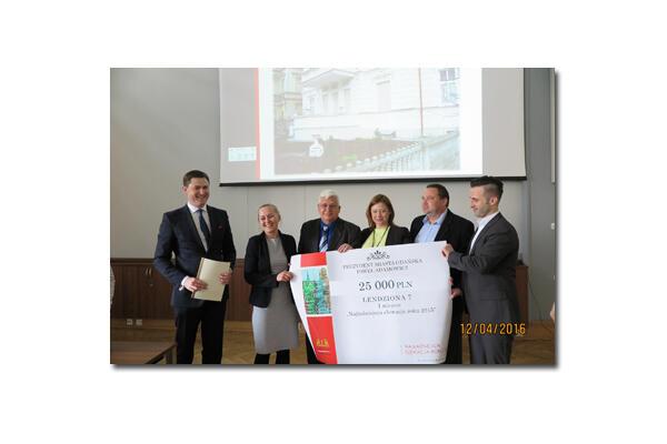 Przypominamy, że laureatami roku 2015 były również Wspólnoty Mieszkaniowe Lendziona 7 i Matki Polki 7.