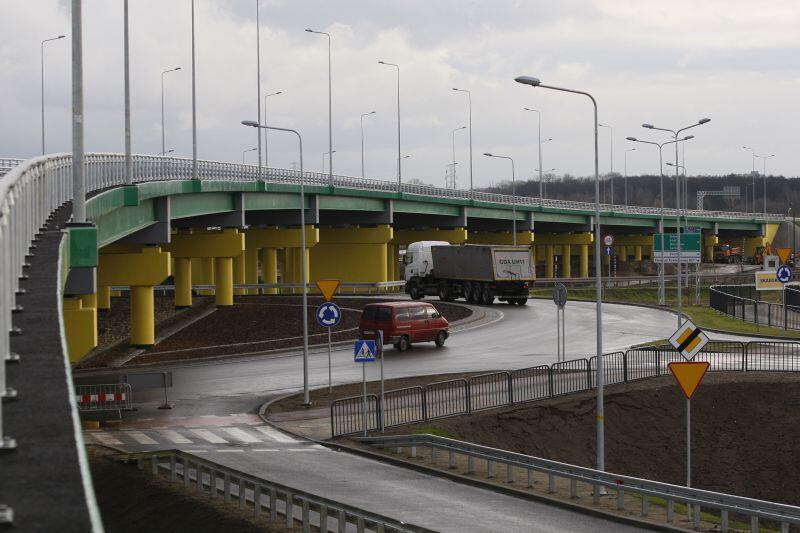 Rondo u zbiegu ulic Sucharskiego i Ku Ujściu będzie nosić nazwę Ronda Komitetu Obrony Robotników.
