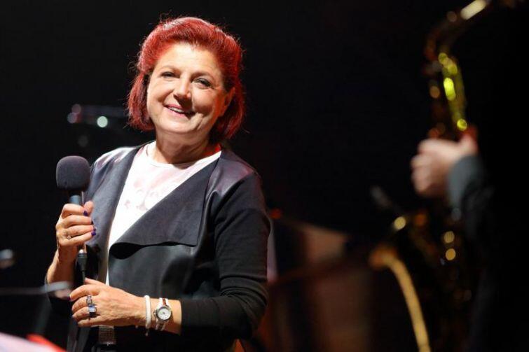 Nieustannie uśmiechnięta Urszula Dudziak nie tylko śpiewała, ale także dzieliła się przepisem na udane i szczęśliwe życie.