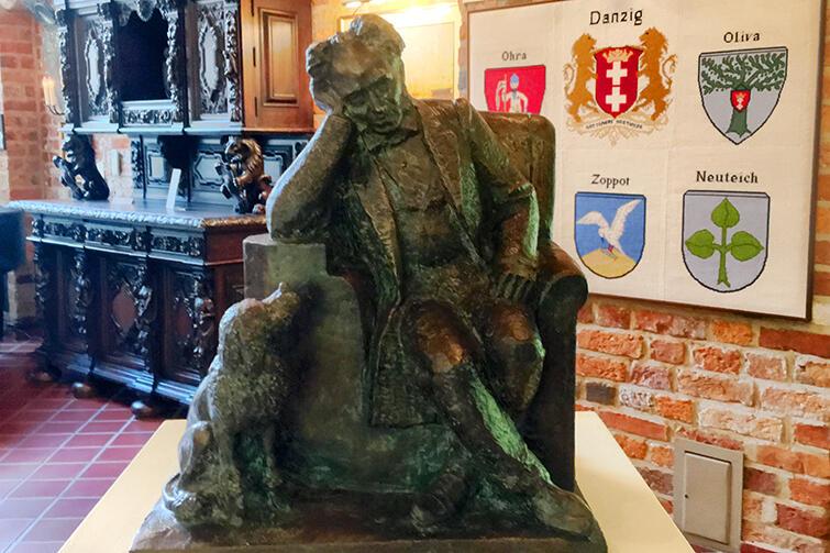 Haus Hansestadt Danzig jest ciekawym przykładem muzeum, które powstało siłami pasjonatów i prowadzonego przez fundację
