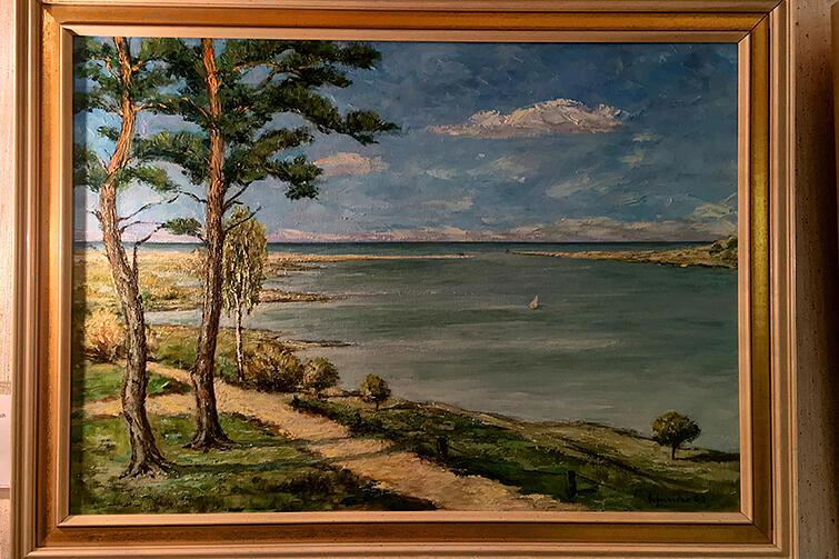 Olejny obraz przedstawiający uście Wisły w Górkach Zachodnich. Wśród eksponatów Haus Hansestadt Danzig przeważają te odnoszące się do XIX i początków XX wieku