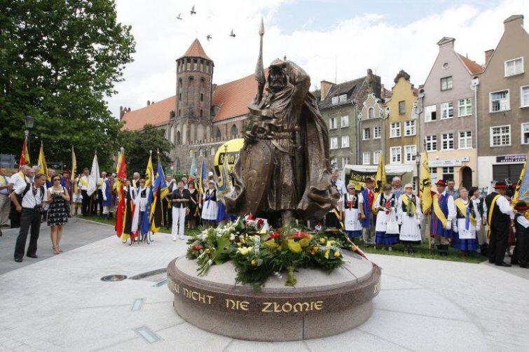 Świętopełk Wielki na gdański skwer przybył już sześć lat temu. Odsłonięcie pomnika na skwerze w 2010 roku