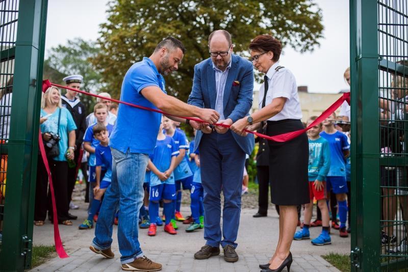 Oficjalne otwarcie boiska w Nowym Porcie nastąpiło w sobotę, 10 września 2016