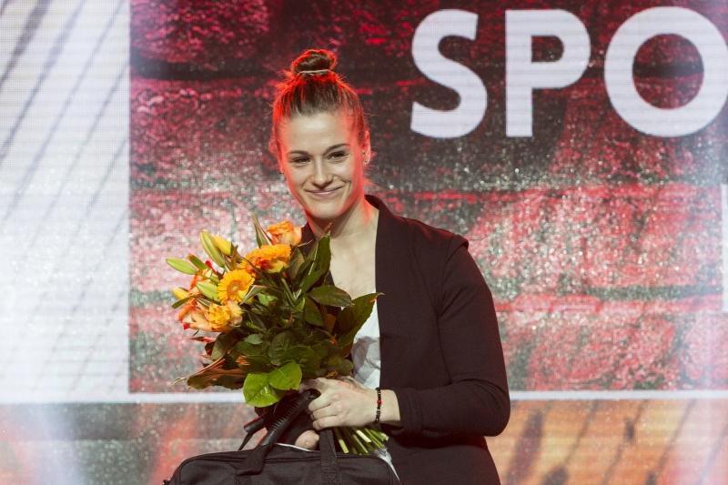 Natalia Partyka podczas Gdańskiej Gali Sportu - odbiera nagrodę dla najlepszego niepełnosprawnego sportowca
