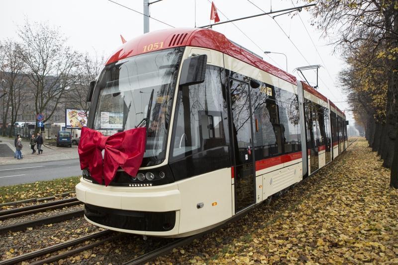 PESA Jazz Duo jeździ po torach Gdańska od blisko dwóch lat - kokardy raczej nie będzie, ale i tak warto przypomnieć sobie jak to jest - jeździć tramwajem