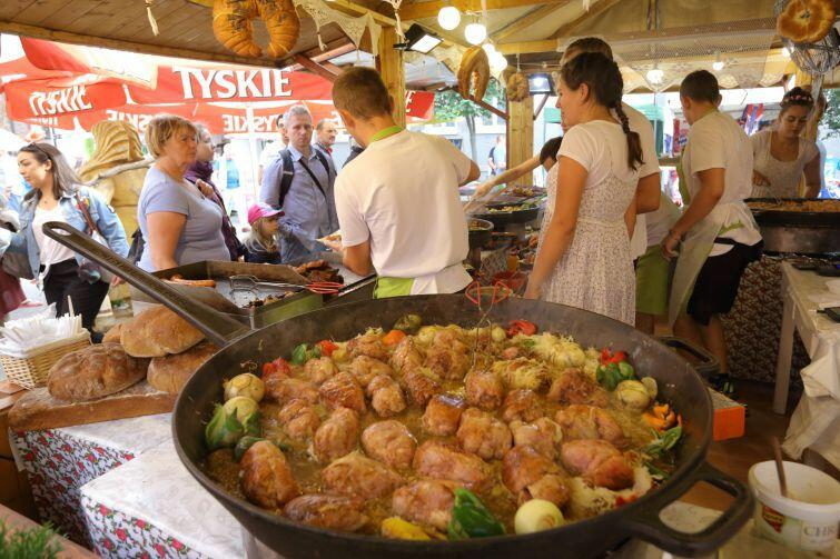 Podczas Jarmarku św. Dominika stoiska gastronomiczne cieszą się zawsze ogromny zainteresowaniem. Czy podobnie będzie z Jarmarkiem Produktów Regionalnych?