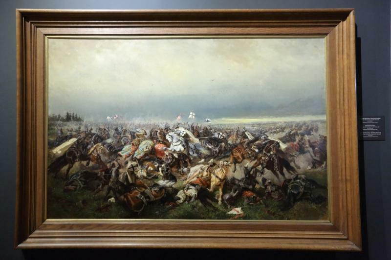 Na wystawie zobaczyć będzie można m.in. zamówioną przez zakon krzyżacki malarską wizję Bitwy pod Grunwaldem (obok wersji Jana Matejki). Na co dzień znajduje się w skarbcu zgromadzenia w Wiedniu.