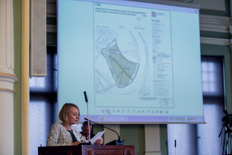 Dyrektor Biura Rozwoju Gdańska, Edyta Damszel-Turek, tłumaczyła radnym założenia m.in. do miejscowego planu zagospodarowania Parku Zdrojowego w Jelitkowie.