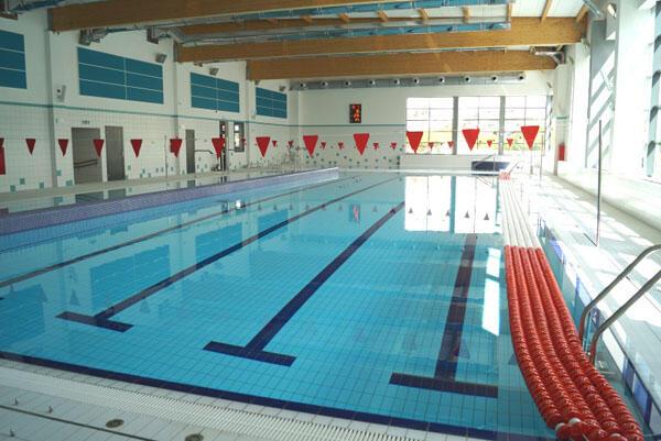 Szkoła w Kokoszkach - basen