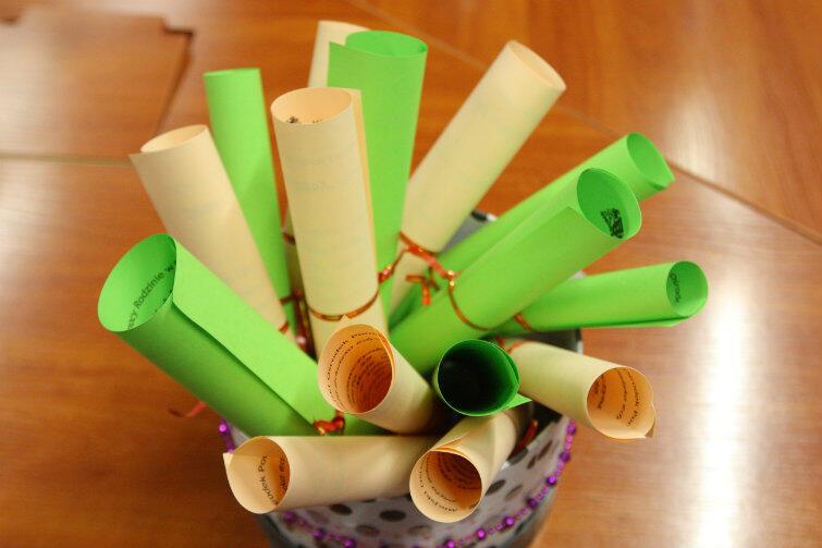 Jeśli chodzi o listy, w tym roku obowiązują kolory brzoskwiniowy i zielony