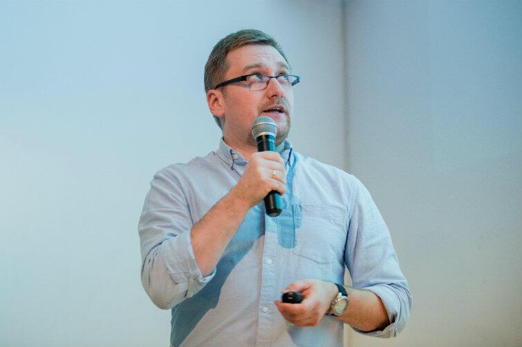 Jan Daniluk podczas wykładu w Instytucie Kultury Miejskiej