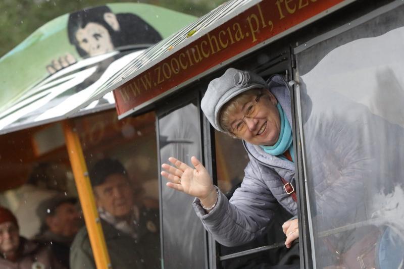 Seniorzy przyjadą do zoo z własnoręcznie zrobionymi z prezentami