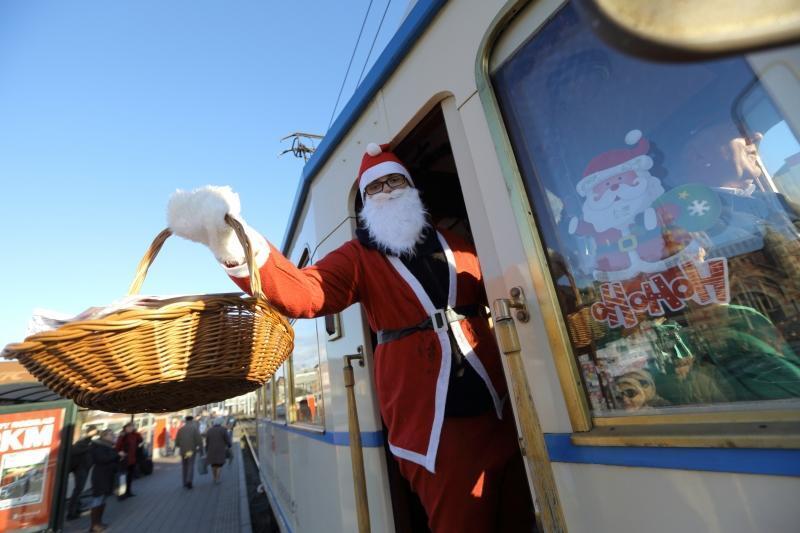 Ho, ho, ho - zabytkowym tramwajem podróżował św. Mikołaj