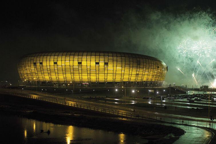 Stadion Energa Gdańsk wieczorową porą