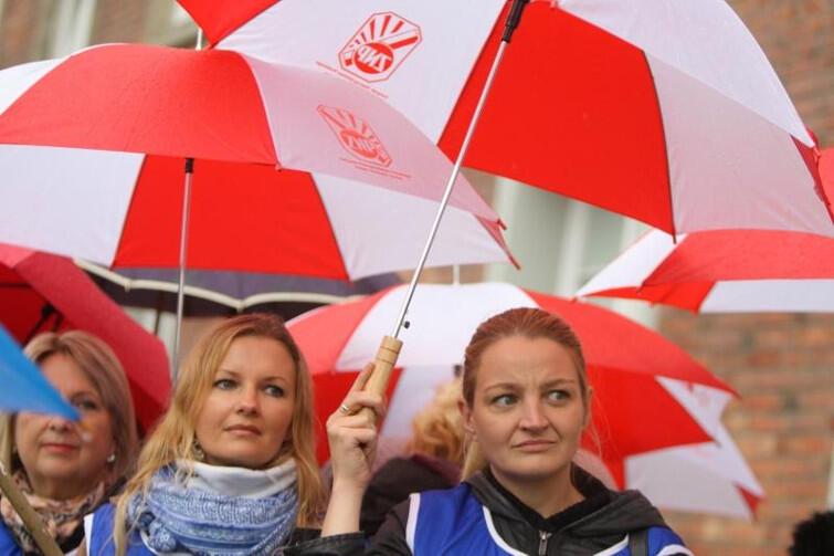 Nauczycielki już protestowały na ulicy. Tu protest ZNP w Gdańsku 10 października 2016 roku