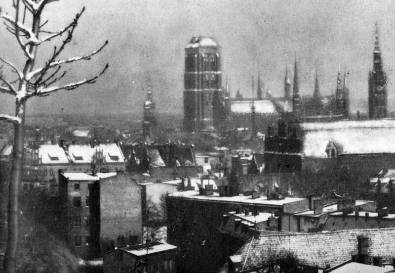 Widok z Biskupiej Górki na ośnieżony Gdańsk, lata 30. XX w.