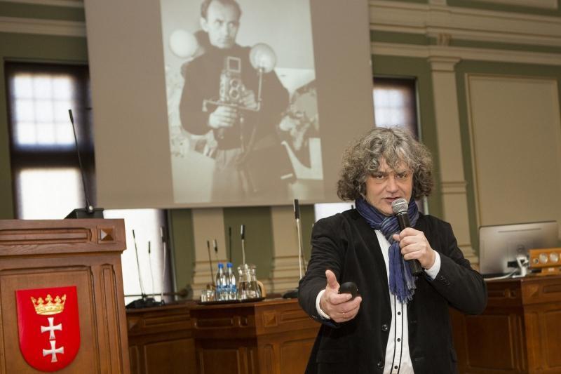 Maciej Kosycarz jeszcze przed premierą swojego najnowszego, 11. albumu fotograficznego poświęconego Gdańskowi
