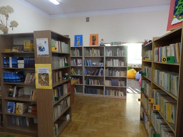 Szkolna biblioteka liczy 10 600 pozycji