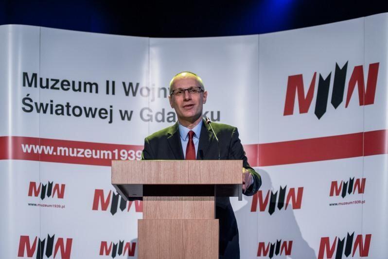 Paweł Machcewicz mówił w poniedziałek, 23 stycznia, na konferencji, że za osiem dni może go w MIIWŚ nie być. Miał chyba niestety rację