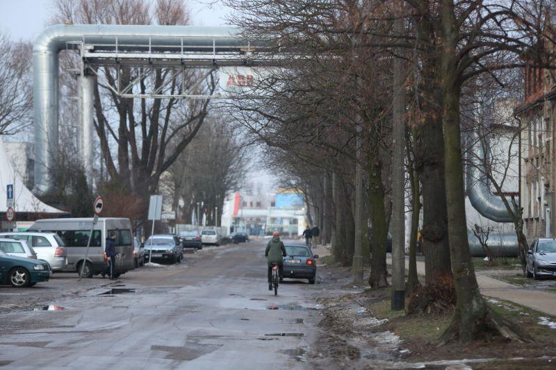 Na ul. Twardej potrzebny jest remont jezdni. Niewykluczone, że prace zostaną przeprowadzone już w 2018 r.