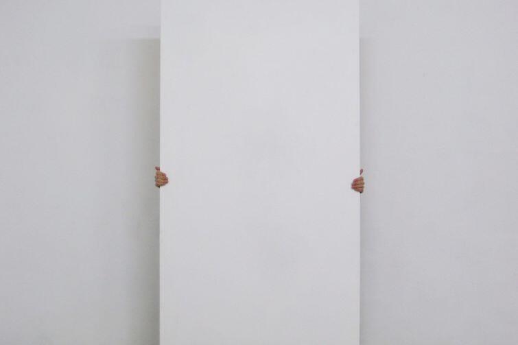 Wannes Goetschalck - artysta zmaga się z przestrzenią i własnoręcznie wykonanymi obiektami