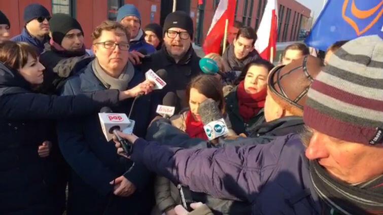 Prezydent Gdańska i politycy PO zebrali się przed MIIWŚ