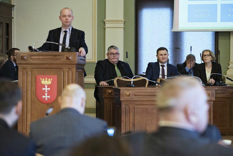 Zastępca dyrektora Wydziału Rozwoju Społecznego w gdańskim magistracie Grzegorz Kryger, tłumaczył radnym na czym polegać będą zmiany