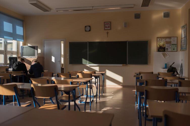 Gimnazjum nr 33, Gdańsk Osowa: lekcja polskiego w 3 klasie. Frekwencja - jeden uczeń