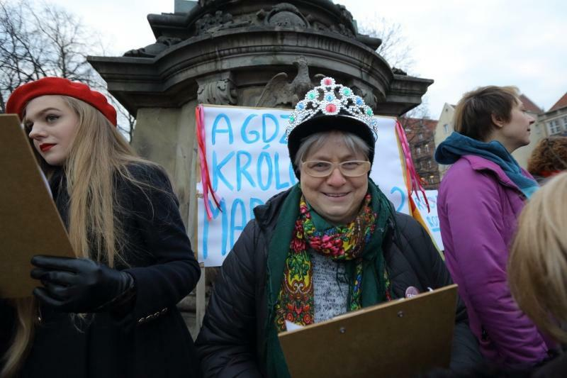 Wiele uczestniczek 13. Manify Trójmiasto przyszło w koronach, bo kobiety są królowymi swojego życia