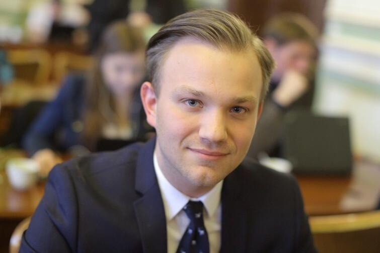 Po rezygnacji Aleksandry Dulkiewicz to Mateusz Skarbek obejmie mandat radnego RMG