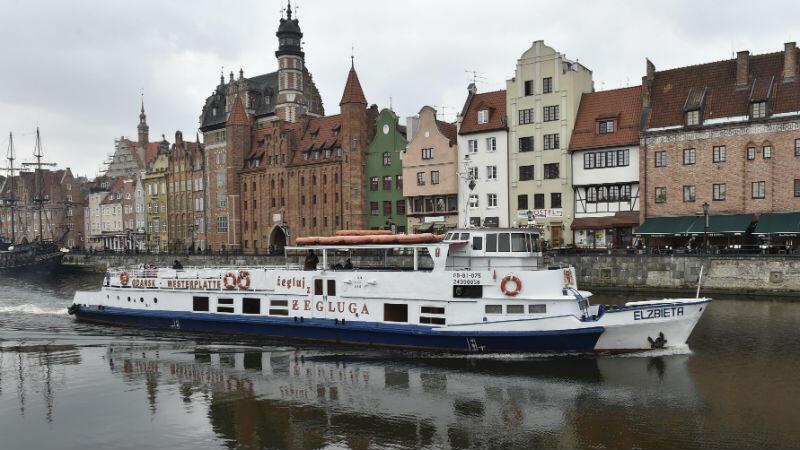'Elżbieta' wypływa w swój pierwszy tegoroczny rejs po Motławie