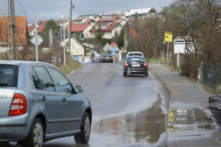 Na odcinku od ulicy Przebiśniegowej do ulicy Srebrnej będzie nowa nawierzchnia, chodniki oraz oświetlenie.