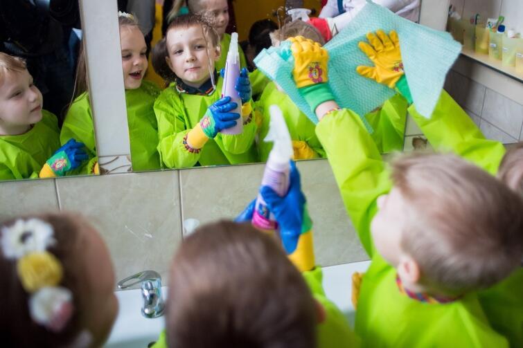 Z okazji Światowego Dnia Wody startuje kampania 'Miasto na detoksie'. Co to oznacza? To zaproszenie gdańszczan do świadomego unikania substancji niebezpiecznych, które szkodzą zdrowiu, a także niekorzystnie wpływają na stan otaczającego nas środowiska – również wodnego