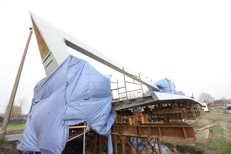 Zgodnie z harmonogramem 8 maja konstrukcja stalowa zostanie przetransportowana barkami na plac budowy na Motławie
