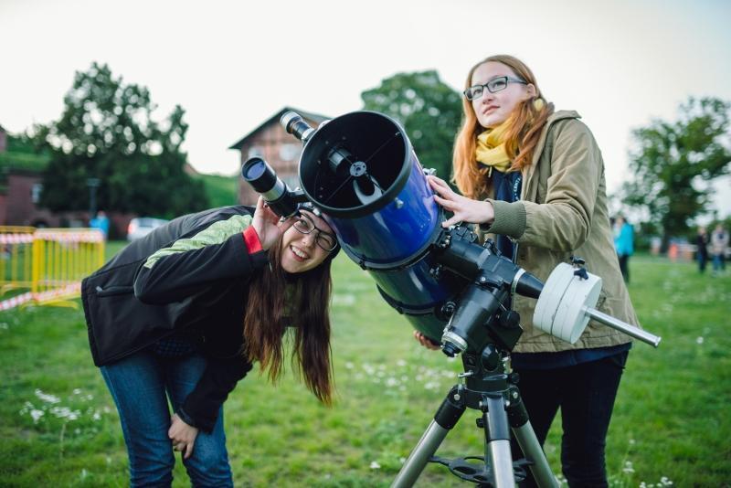 Sierpień 2016. Centrum Hewelianum zorganizowało 'Nocne podglądanie Wszechświata'. Na zdjęciu jeszcze przed zmierzchem
