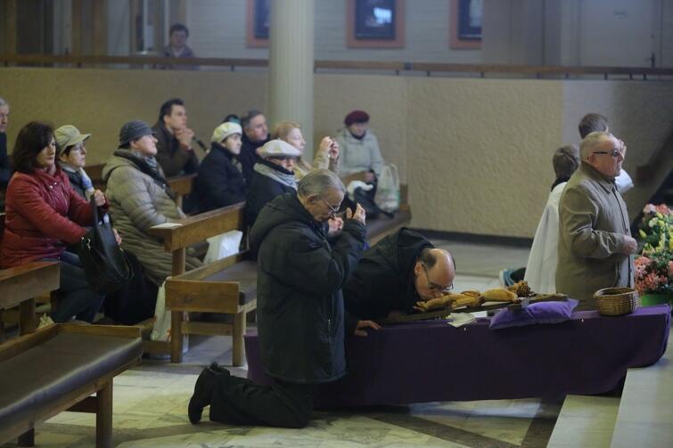 Parafia p.w. Najświętszej Maryi Panny Królowej Różańca Świętego