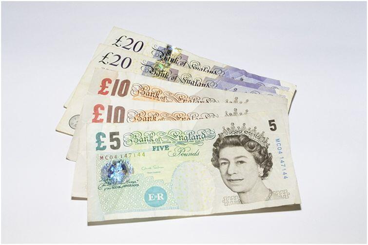 Życie w Wielkiej Brytanii jest droższe niż w Polsce. Warto dobrze policzyć koszty