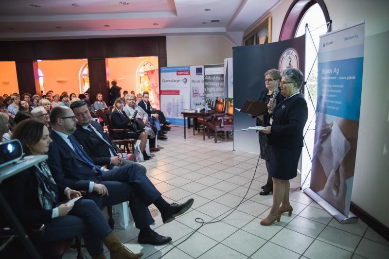 XV Konferencja Opieki Długoterminowej w gdańskim Hospicjum im. ks. Dutkiewicza. Nz Irena Samson (pierwsza z prawej)