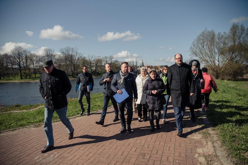 W środę odbył się tzw. spacer gospodarski, tym razem po Olszynce. Wziął w nim udział m.in. prezydent Gdańska, radni dzielnicy Olszynka oraz szefowie wydziałów gdańskiego magistratu