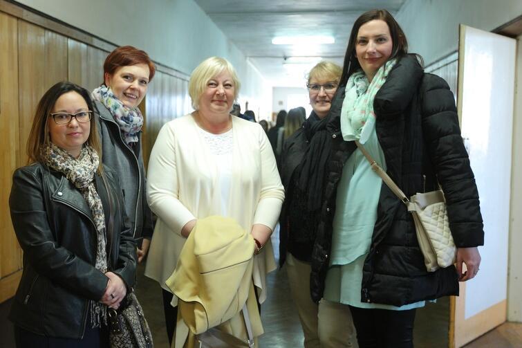Silna grupa wsparcia. Od lewej: Kinga Marcinkowska i Kamila Odyja (mamy przedszkolaków), Grażyna Musielak (dyrektor przedszkola nr 84) oraz przedszkolanki: Małgorzata Połubok i Monika Aleksandrowicz