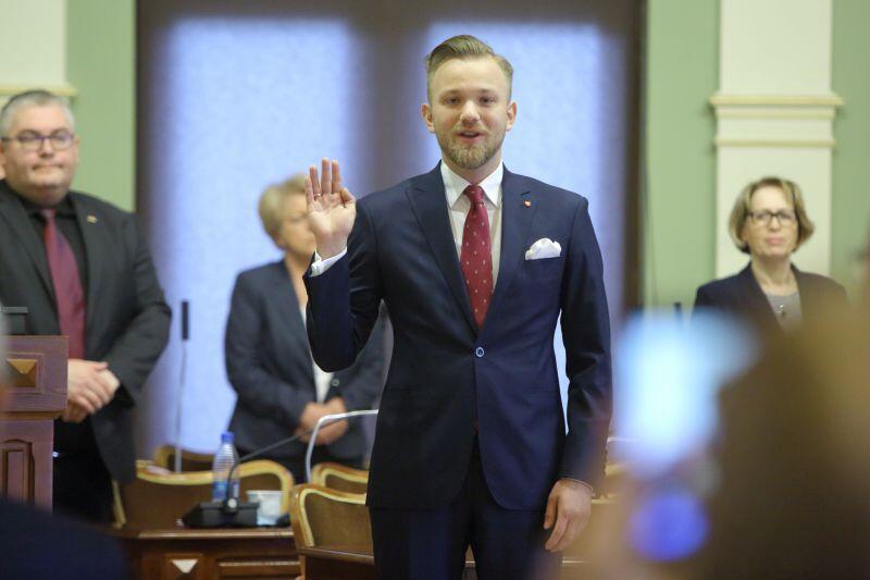 Mateusz Skarbek to nowy radny miasta Gdańska. We wtorek złożył ślubowanie