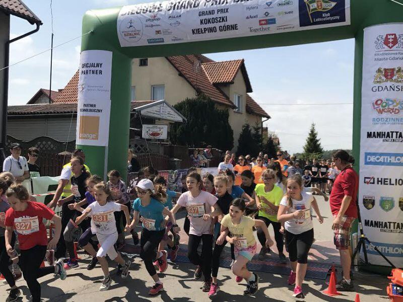 W biegu Grand Prix Dzielnic w Kokoszkach Kiełpinie Górnym uczestniczyło 344 dzieci