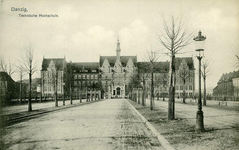 Gmach Główny Politechniki Gdańskiej i młode drzewa prowadzącej do niego alei ok. 1904 r.