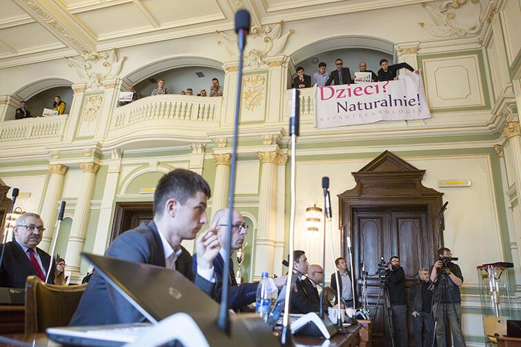 Podczas poniedziałkowej sesji radni Gdańska przyjeli program dofinansowania przez miasto metody in vitro