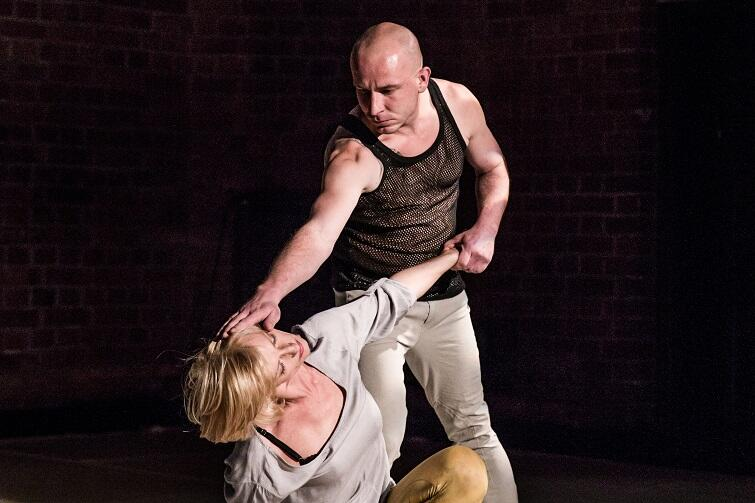 Na zamknięcie festiwalu, 11 czerwca o godz. 19, zobaczymy Teatr Tańca Zawirowania w spektaklu Wybieg