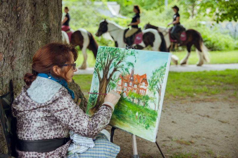Oliwa to dzielnica artystów malarzy - plener podczas Viva Oliva