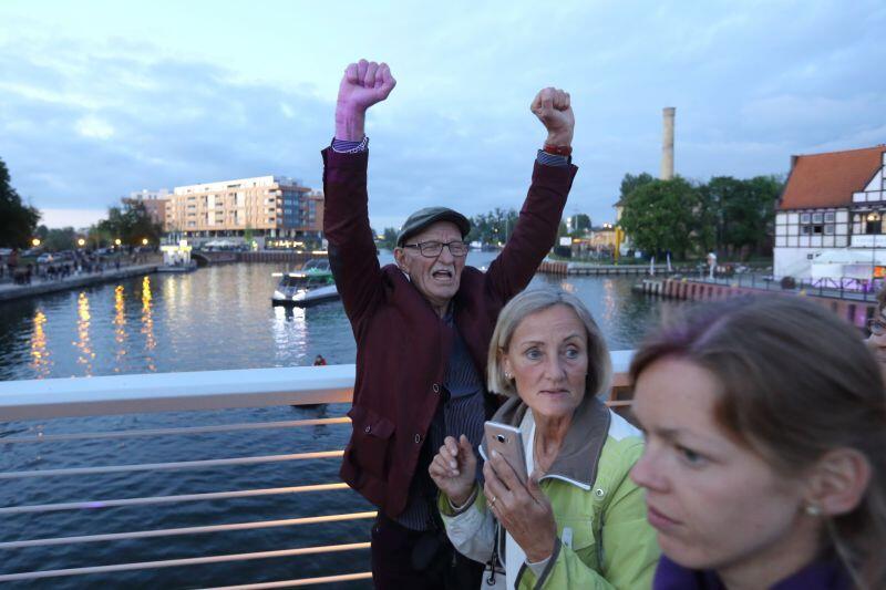 Uroczystemu otwarciu nowego mostu towarzyszyła radość i euforia wszystkich obecnych