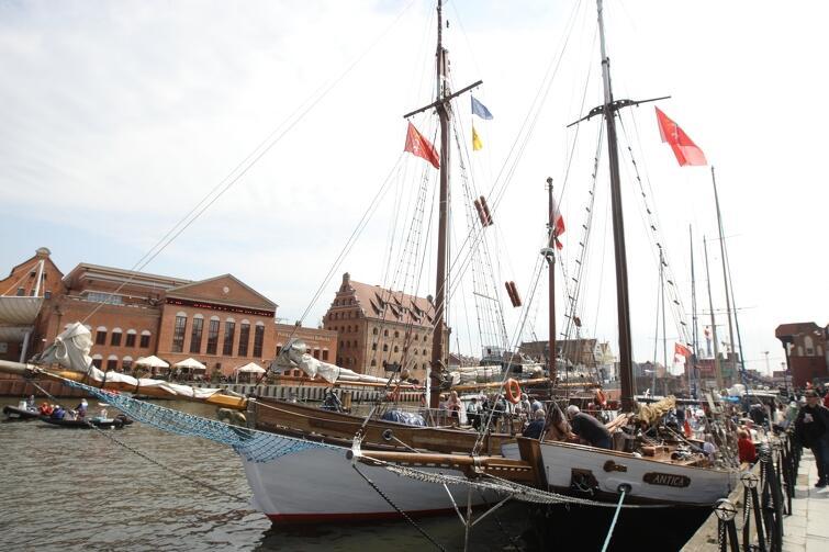 Jachty na Motławie podczas tegorocznego otwarcia sezonu żeglarskiego